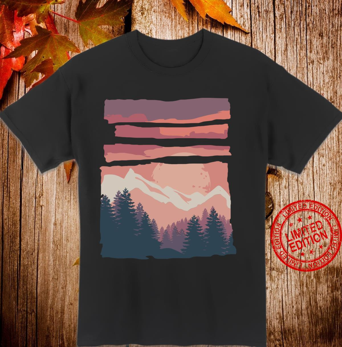 Hiking and outddooradventure pastell mountain sunset Shirt